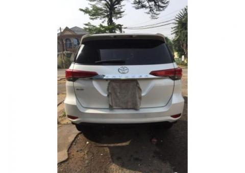 Toyota fortuner essence