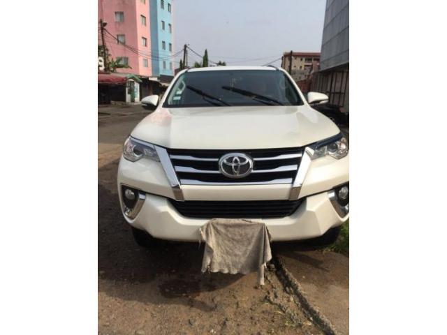 Toyota fortuner essence - 2/3