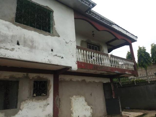 DUPLEX à vendre à Douala PK 12 - 3/7