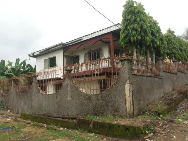 DUPLEX à vendre à Douala PK 12 - 6/7
