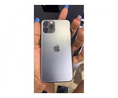 iPhone  11 pro 256 giga neuf - 3/3