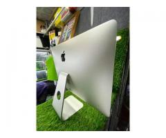 iMac 2014.  intel core I5  - 8/8