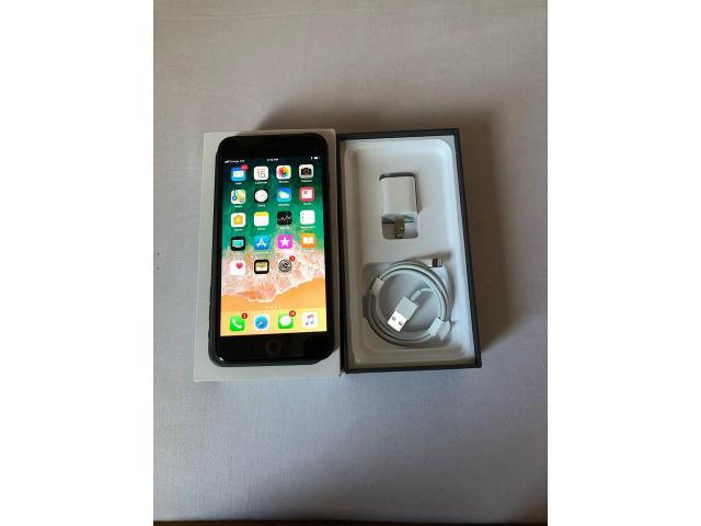 IPhone 8+ - 2/3