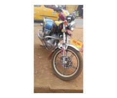 Moto nanfang gold bien propre 1 mois d'utilisation